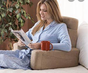 Homedics luxury foldable massaging back rest for Sale in Coconut Creek, FL