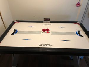 Air hockey table for Sale in Lakewood, CO