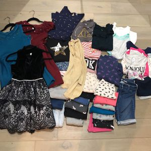Huge Girl's Lot of Clothes Size 10-12 for Sale in Phoenix, AZ