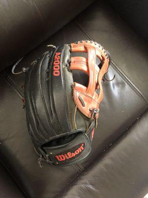Wilson baseball glove for Sale in Tamarac, FL