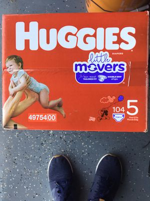 Huggies little movers size 5 for Sale in Phoenix, AZ