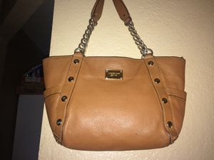 Authentic Michael Kors Leather Chain Stud Purse 😍 Very Gorgeous 💞 $85 for Sale in Riverside, CA