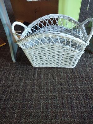 Magazine basket for Sale in NO FORT MYERS, FL