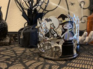 Bath & Body Works 2019 Halloween Edition - (3) wick candle holder for Sale in Clovis, CA