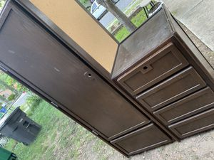 Closet/drawers for Sale in San Antonio, TX