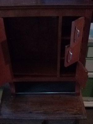 Antique medicine cabinet with towel rack for Sale in Moreno Valley, CA