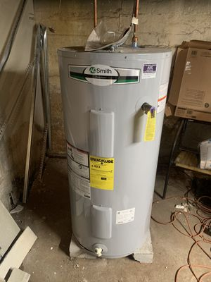 Electric Water heater for Sale in Brooklyn, NY