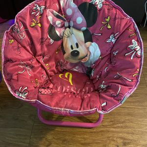 Minnie & Anna & Elsa Saucer Folding Chairs for Sale in Los Angeles, CA