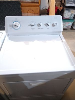 Washer and gas dryer for Sale in Bonney Lake, WA