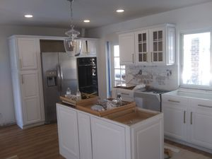Cabinets and paint for Sale in Miami, FL