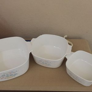 Set of (3) vintage Pyrex /Corning Ware baking set with one lid for Sale in Corona, CA
