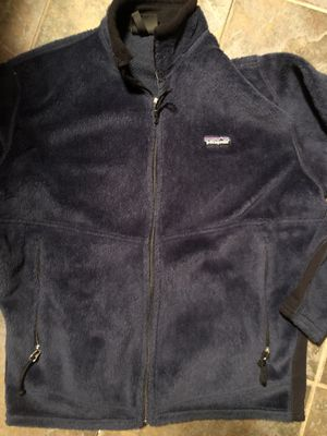 Patagonia men's size small. Navy blue $50 light fleece. Good condition. Pick up only River oaks Qt 2601 Jacksboro Hwy. 76114 for Sale in Fort Worth, TX