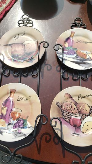 Decorative Plates with Plate Stands for Sale in Stockbridge, GA