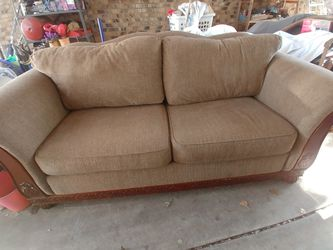 Like Brand New Gorgeous Couch! for Sale in Murfreesboro,  TN