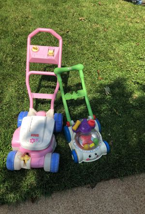 2 kids lawn mowers for Sale in St. Louis, MO