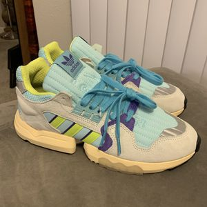 Adidas torsion w boost for Sale in Northglenn, CO