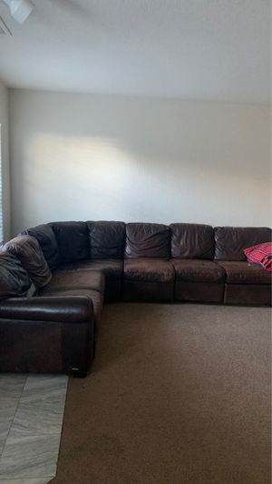 LARGE LEATHER SECTIONAL COUCH for Sale in San Diego, CA