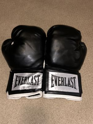 Everlast Black Gently Worn Boxing Gloves for Sale in Los Angeles, CA