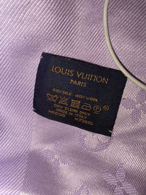 Louis Vuitton scarf for Sale in Chicago, IL