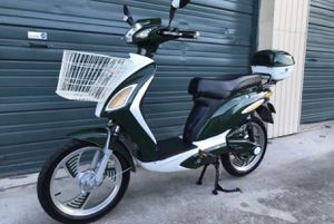 Last one!! Electric scooter electric bicycle electric bike electric motorcycle moped Vespa for Sale in Miami, FL