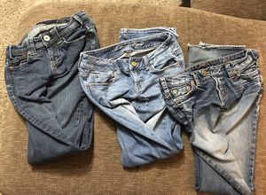 Juniors Jeans size 28 (2) and size 2 Lot for Sale in Savannah, MO