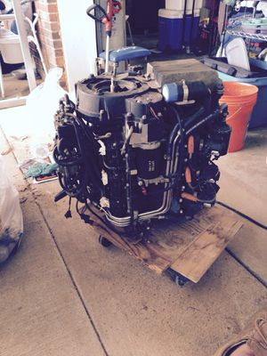 2 sets of 175 ficht fuel injector systems for a Johnson outboard for Sale in Clarksville, TN