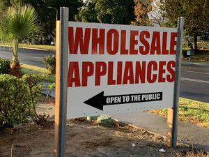 !!!!!!!!WHOLESALE APPLIANCES /LOWES PALLETS / !!!!!!!! for Sale in Fontana, CA