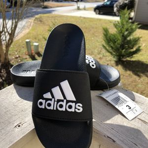 Brand New Adidas Flip flops For Boys... Size 3 for Sale in Stone Mountain, GA