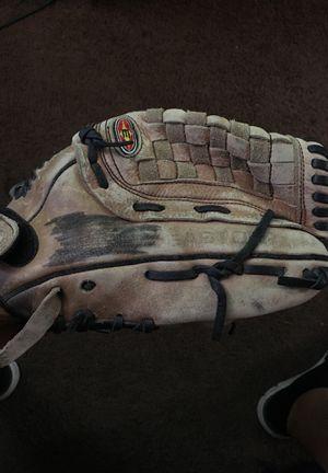 Easton baseball glove for Sale in Mesa, AZ