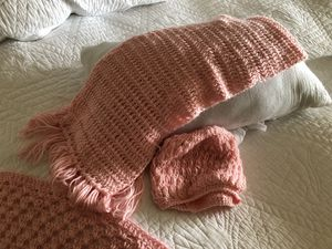 Hand knitted pink shawl neck scarf and hat for Sale in Pismo Beach, CA
