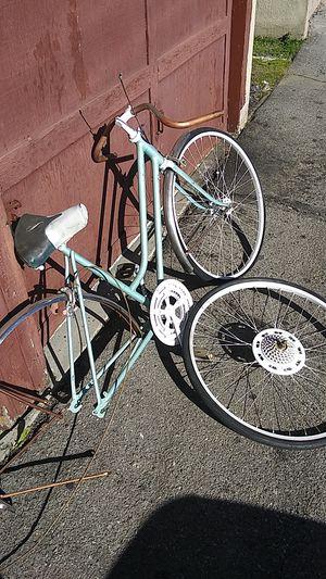 Schwinn all original woman bike for Sale in Phillips Ranch, CA