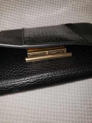 Black Leather purse with Gold trimmings for Sale in Las Vegas, NV