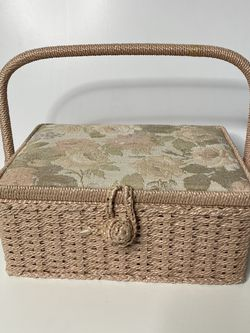 Vintage Pink Floral Woven Wicker & Cloth Sewing Box Basket for Sale in Sacramento,  CA