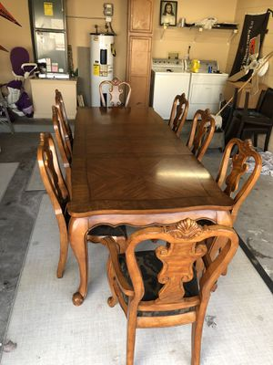 Solid wood table for Sale in Orlando, FL