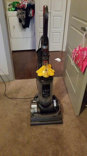 Dyson DC33 Multi-Floor Upright Bagless Vacuum Cleaner for Sale in Duncanville, TX