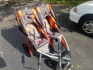 BOB Revolution SE Duallie Stroller, Orange - $300 for Sale in Naperville, IL