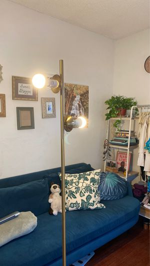 selling golden floor lamp with bulbs for Sale in Los Angeles, CA