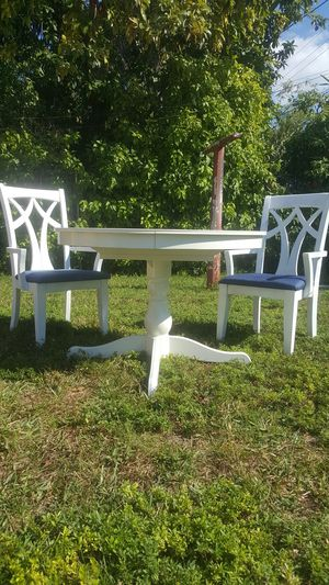 Table + 2 chairs for Sale in Miami, FL