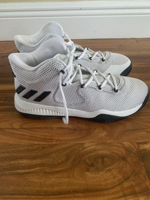 Like new Adidas basketball shoes Size 10.5 for Sale in Pembroke Pines, FL