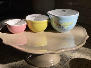 blender bundle, cake plate + - 1 price for Sale in Oregon City, OR