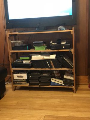 Tv / book stand for Sale in Pittsburgh, PA