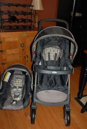 Graco click connect stroller with car seat for Sale in Fairfax, VA