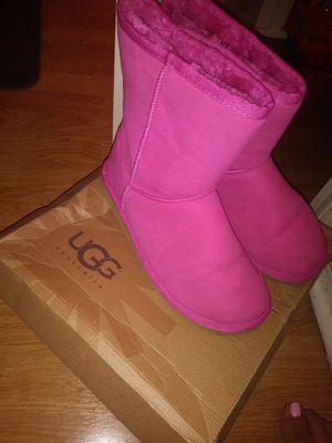 Pink ugg boots size 8 for Sale in Austin, TX