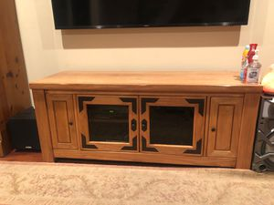 Tv table console for Sale in Long Beach, CA