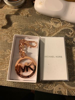 Michael kors rose gold key chain for Sale in Moreno Valley, CA