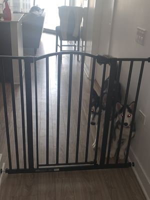 Dog gate/baby gate for Sale in Chicago, IL