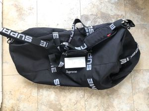 Supreme Duffle Bag 2018 Large for Sale in Los Angeles, CA