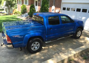 Strong 2007 Toyota Tacoma SR5 for Sale in Boston,  MA