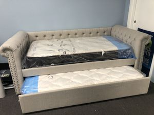 Ivory Daybed w/ Mattresses for Sale in Fresno, CA