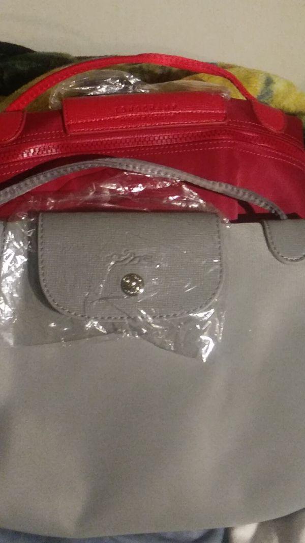 Longchamp models depose